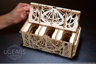 Card Holder mechanical wooden device for tabletop games