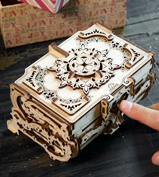 Antique Box: Ugears Mechanical Model