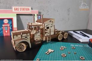 «Heavy Boy Truck VM-03» mechanical model kit